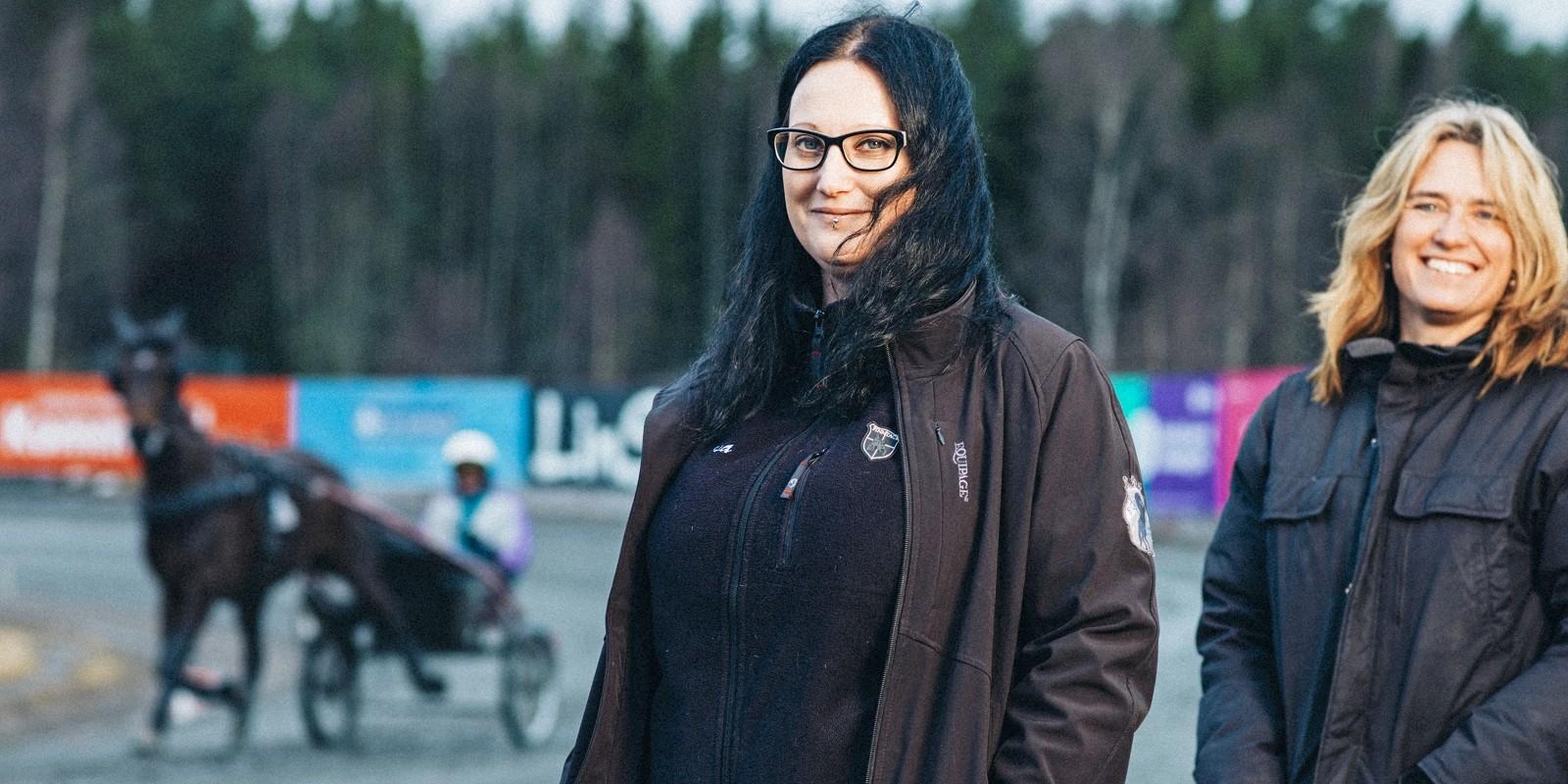 Carina Olsson (t.h.) var den som gav Åsa Rosén mod att sadla om till ett jobb på den ordinarie arbetsmarknaden.