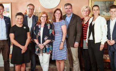 Rasmus Nerman, Monica Lingegård, Erik Strand, Cecilia Schelin Seidegård, Lisa Lindström, Mikael Sjöberg, Carola Lemne,  Caroline Berg och Oliver Rosengren.
