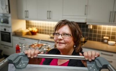 Samhalls medarbetare på Svedjebacka äldreboende Iris Christoffersson.